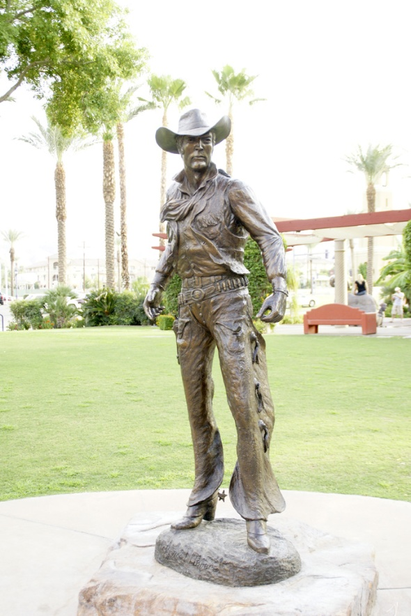 Hollywood Hero sculpture